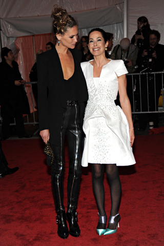 Erin Wasson in Phi and Lady Amanda Harlech (I really like Erin Wasson's look. It's not exactly Met Ball appropriate, but I love the edge she always carries with her. The paints look very Alexander Wang.)