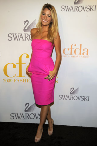 Blake Lively in Michael Kors (she looks like a barbie!)
