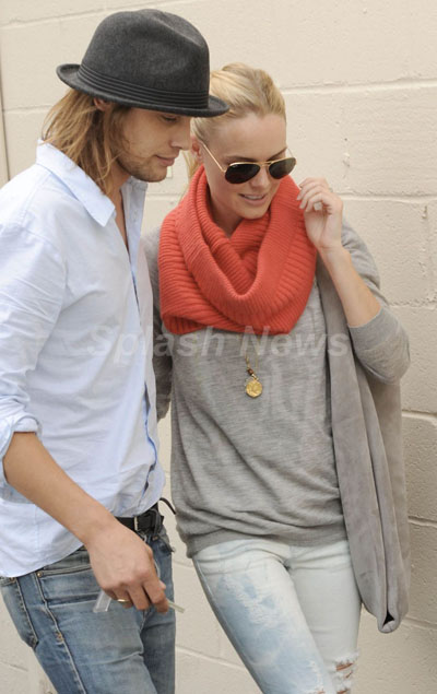 She makes me want a circle scarf here!